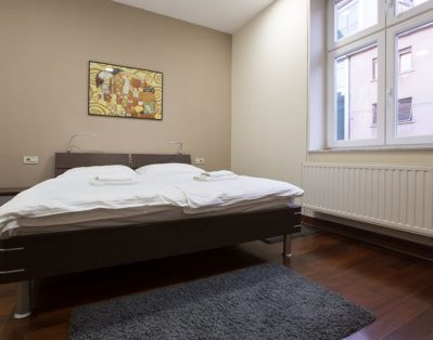 Bedroom with big double bed 180*200cm and a big walk in closet.