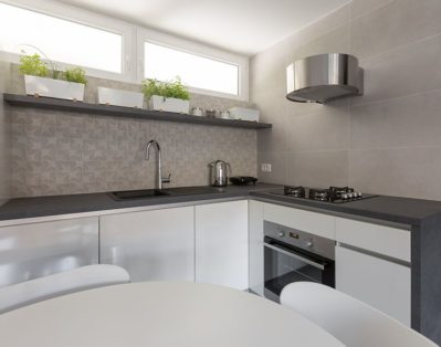 Fully equipped kitchen. Fridge, stove, oven microwave oven (hidden above the fridge), toaster, kettle
